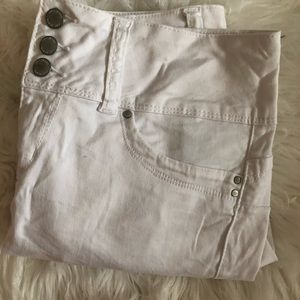 YMI white capris (no stains perfect condition)